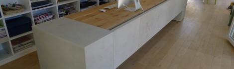 beton betty . Schreibtisch in Beton + Eiche