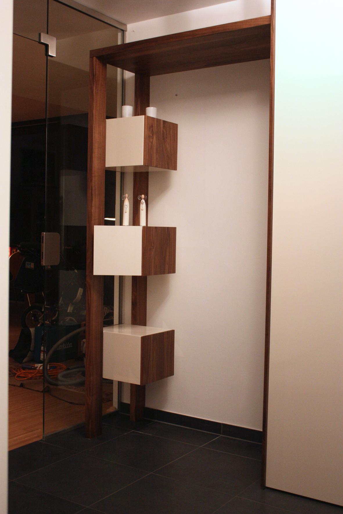 garderobe in amerik nussbaum singer schreinerei. Black Bedroom Furniture Sets. Home Design Ideas