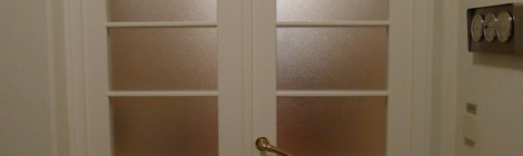 Wohnungstür mit Oberlicht