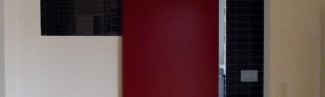 Schiebetür, rot lackiert