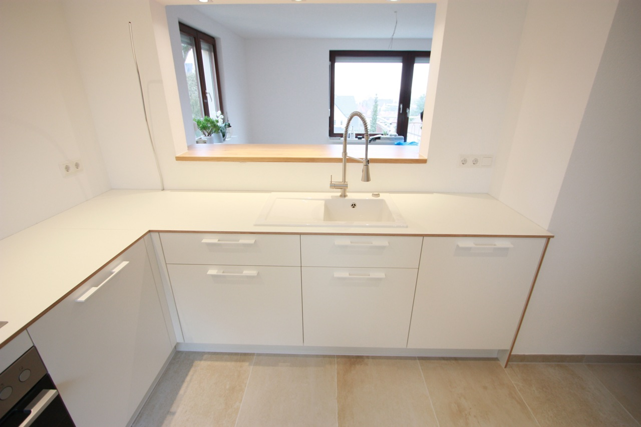 Küche weiß mit weiß beschichtetem Multiplex – singer.SCHREINEREI