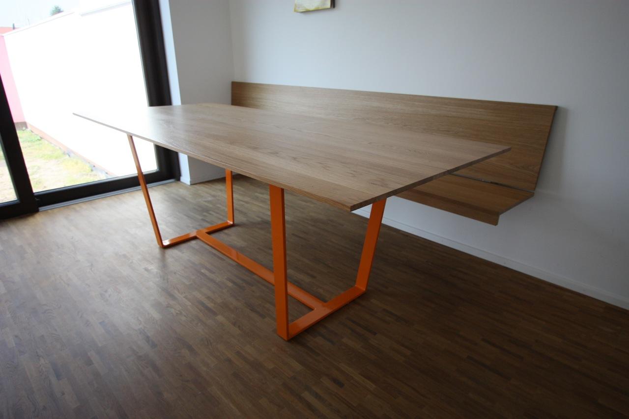 Tisch . Eiche + Stahlgestell, pulverbeschichtet – singer ...