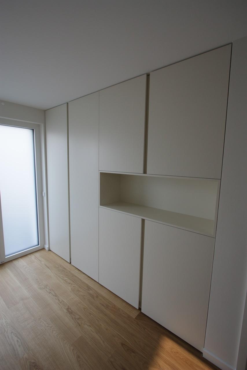 garderobe raumhoch raumbreit singer schreinerei. Black Bedroom Furniture Sets. Home Design Ideas