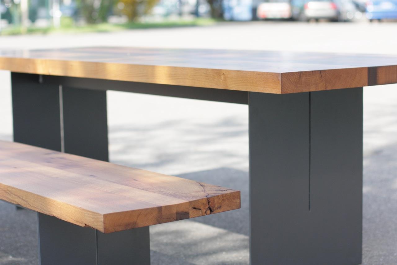 tisch untergestell stahl mit tischplatte aus eiche altholz singer schreinerei. Black Bedroom Furniture Sets. Home Design Ideas