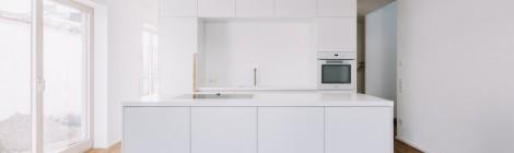 Küche FJ . weiß mit Eiche